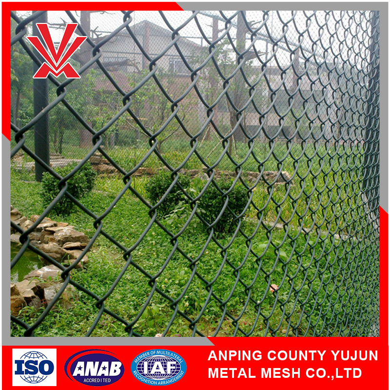 Reinforcing ISO Manufactory Export Treated Wood Type Garden Fence Galvanized Chain Link Fence
