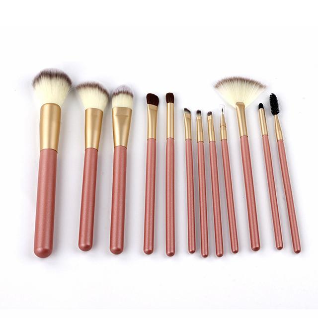 Professional pink cute soft goat hair Customized decent makeup brush set