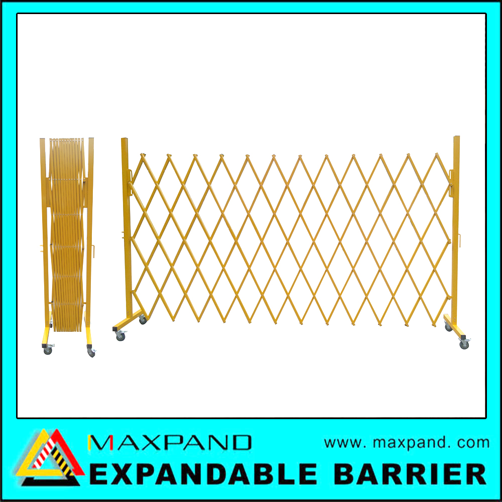 Temporary Road Safety Metal Fence Retractable Barrier with Wheels