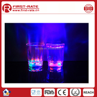Flashing light plastic water bottle with led light