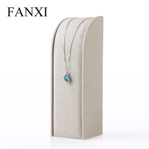 FANXI china supplier creamy white linen pendant jewelry display stand pendant exhibitor for counter shop necklace display