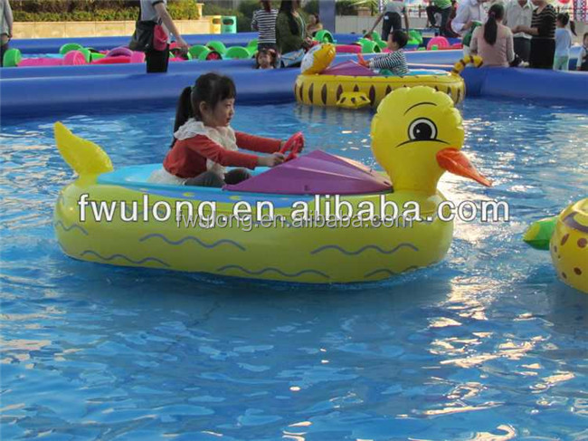 Exciting children's water games electric boating bumper boat for sale