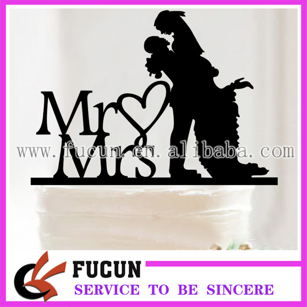 China wholesale wedding couple Mr and Mrs black acrylic cake topper