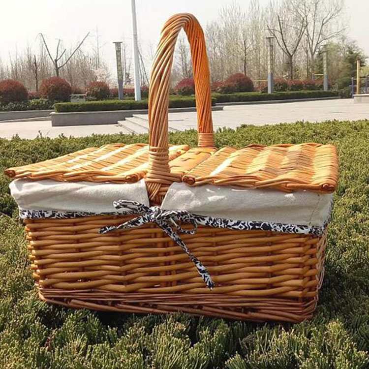 Picnic willow basket Wicker Picnic hamper Basket