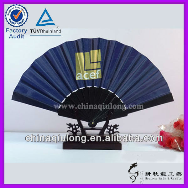 Chinese Wholesale Plastic Frame Folding Hand Fan