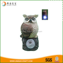 2017 high quality manufacturer resin owl figurines with solar light