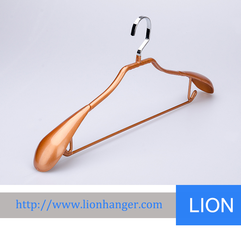 New cheap anti-skip PVC Coated metal hanger for clothes hanging