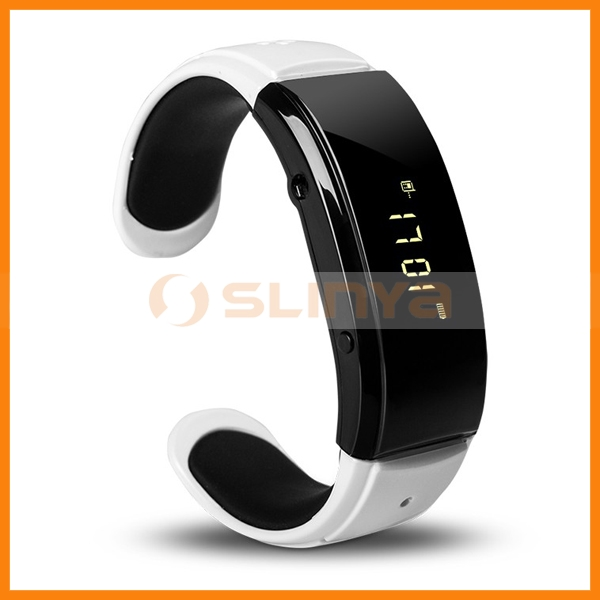 Bluetooth Bracelet Wristwatch with Rechargeable Lithium Polymer Battery