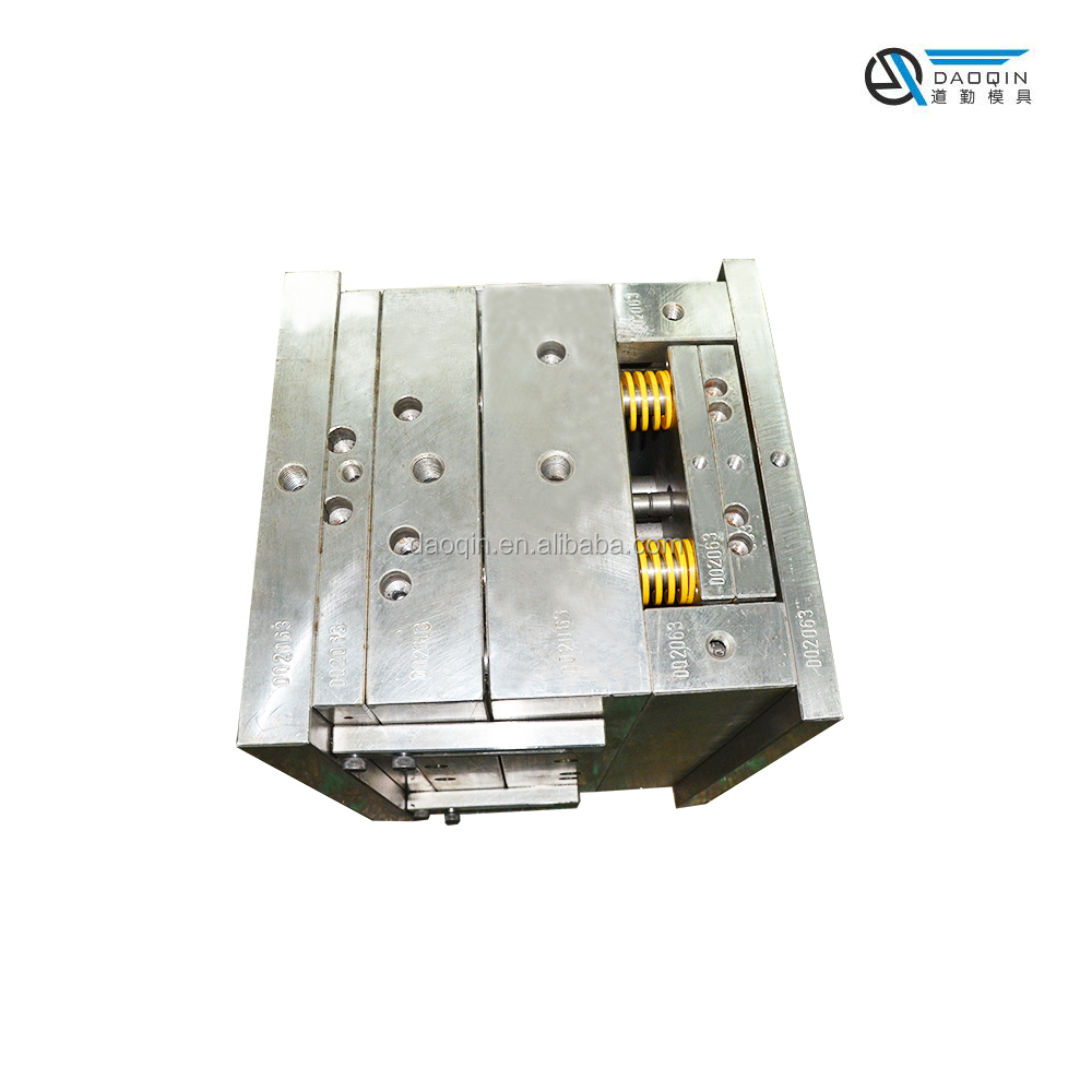2017 High Quality OEM Guangdong 16-Cavity Custom Household Products Precision box plastic injection mold making manufacture