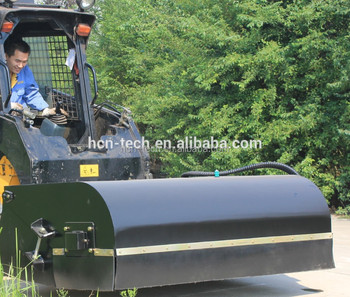 New design HCN brand 0202 kid steer loader's sweeper bucket broom