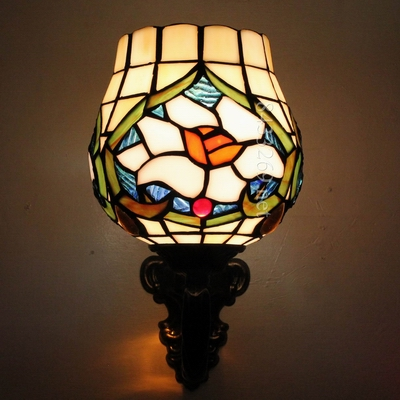 High quality tiffany vintage wall lamp with baroque design by handmade