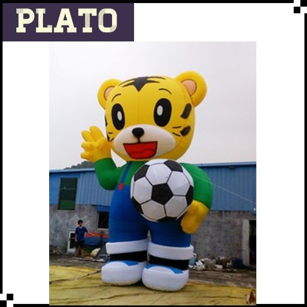 Giant outdoor advertising inflatable cartoon / football cat