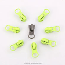 Factory supply silicon rubber garment accessories zipper puller