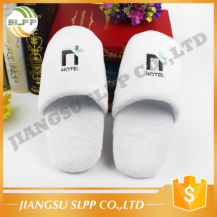 Comfortable coral fleece sponge sole hotel slipper with embroidery