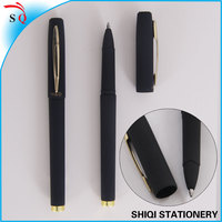 black rubbered gel ink parker pen