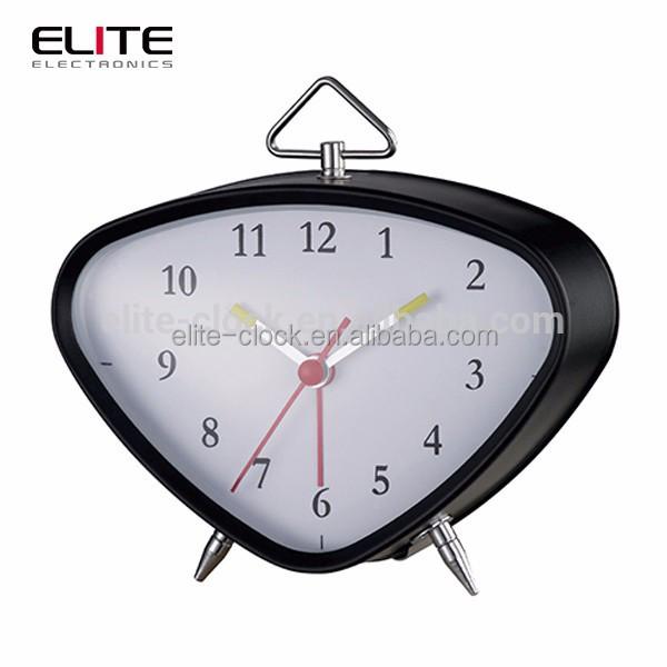 Single face triangle alarm clock