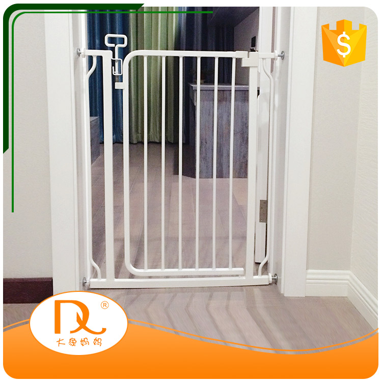 Top quality high sale pressure mounted metal retractable dog safety fence gate