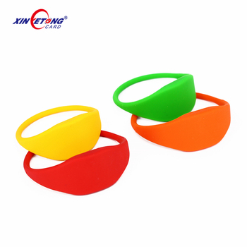 Amusement water park ticket 13.56MHz tag 213/215/216 NFC Chip NFC TAG Silicone Wristband