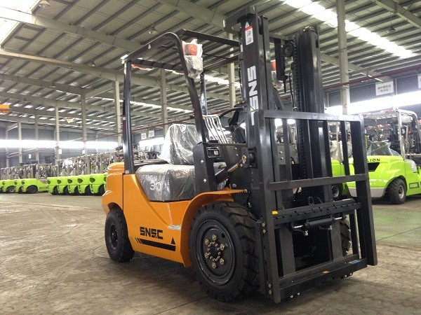 SNSC 3T Forklift With Paper Roll Clamp