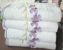 21S JACQUARD VELVET BATH TOWEL WITH EMBROIDERY
