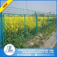 counter bending with gracefully shaped temporary garden metal wire mesh fence