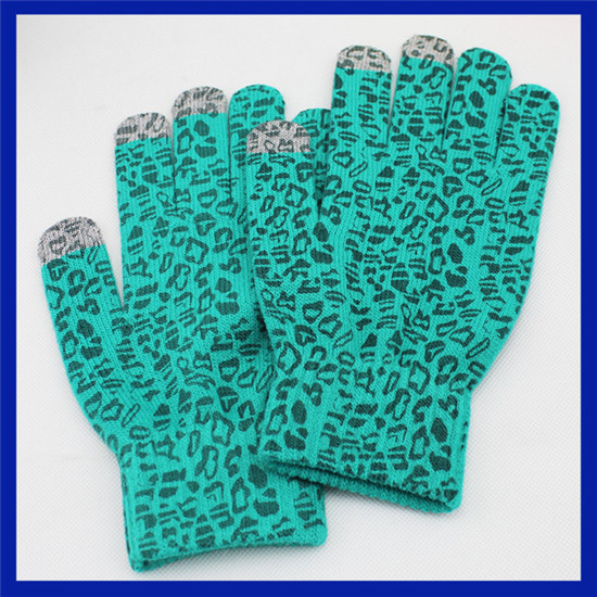 Hot sale fashion design green leopard print three fingers touchscreen gloves magic glove for smart phone