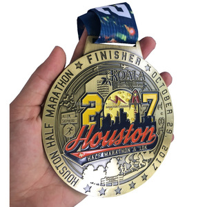 Houston 2017 half marathon finisher medal