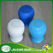 2013 Best design Hang on glass Silicone Suction Cup bluetooth speaker