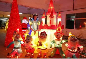 snowwhite and 7 dwarfs and castle large led christmas snow scenes for indoor large shopping mall