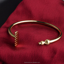 Unique Open Adjustable zig zag bangles in Copper Alloy
