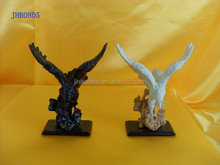 Polyresin animals figurine indoor use Resin eagle statues