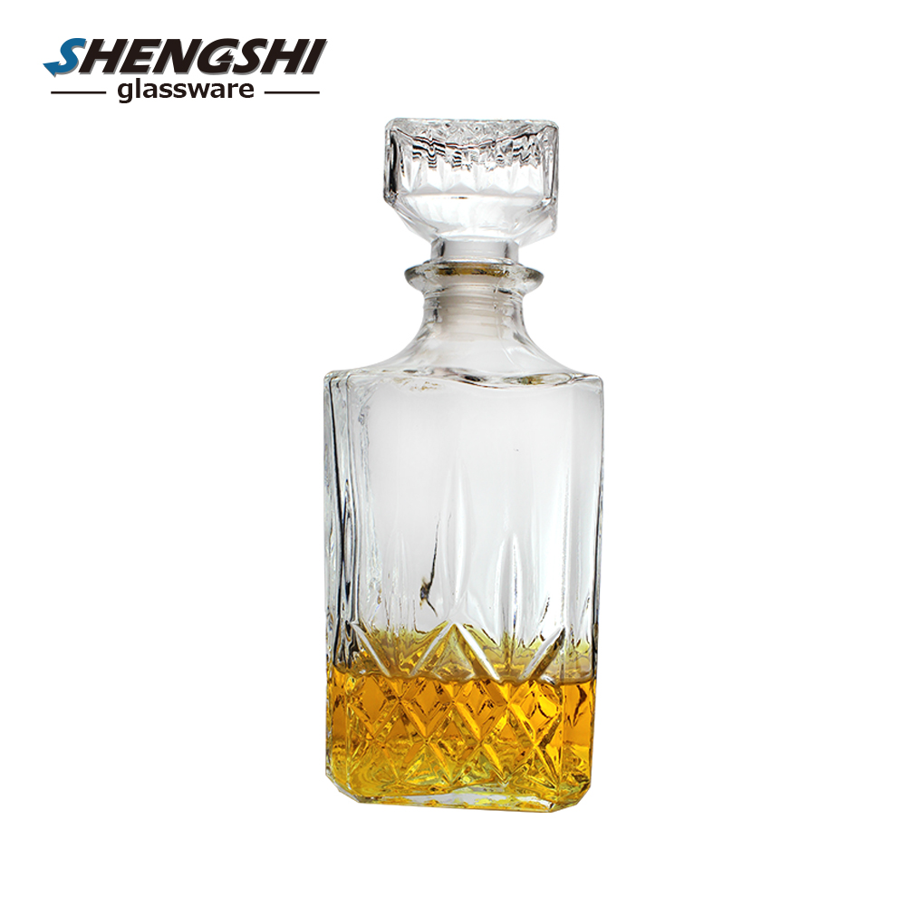 Square shapes antique liquor wine bottle for vodka and whisky with stopper
