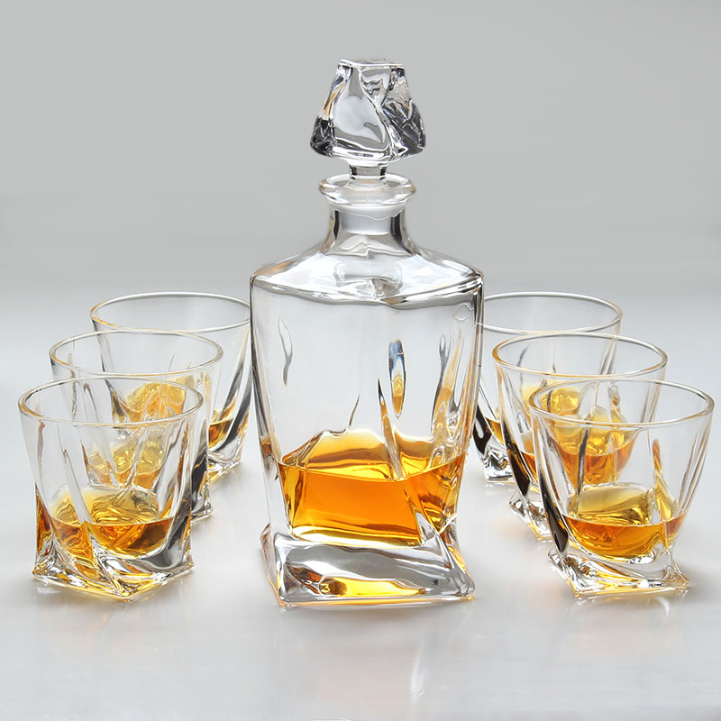 Fashioned Cocktail <strong>Glass</strong> And Whiskey Decanter 7-Piece Whiskey Gift Set