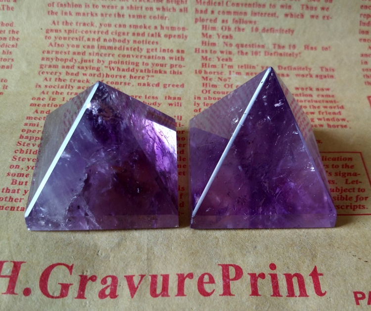 customize natural rock polished Amethyst crystal pyramids