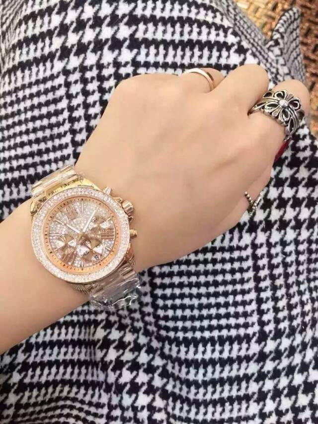 Assisi brand quality Beautiful luxury design diamond fashion lady watch