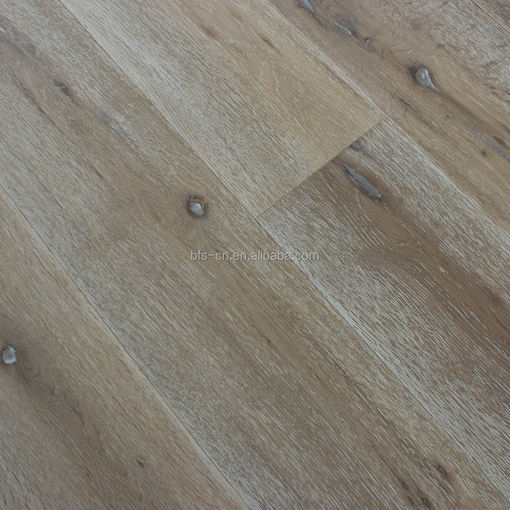 A mixed colour European classical style UV lacauer smoked <strong>3</strong> - <strong>ply</strong> <strong>oak</strong> engineered Wood Flooring