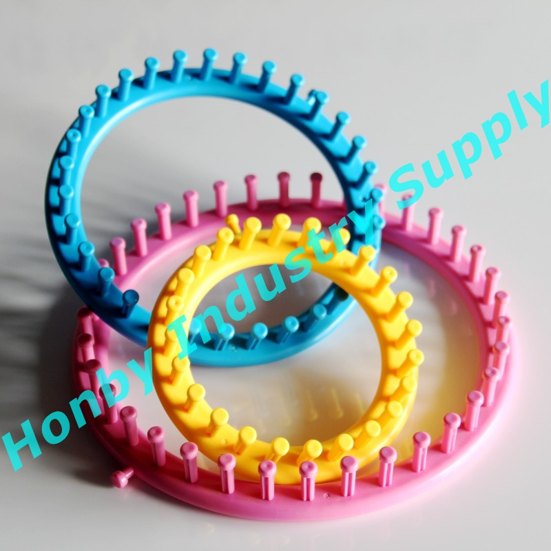 Colored Hat Sweater Knitting Circular Knitting Loom tool In 4 Sizes