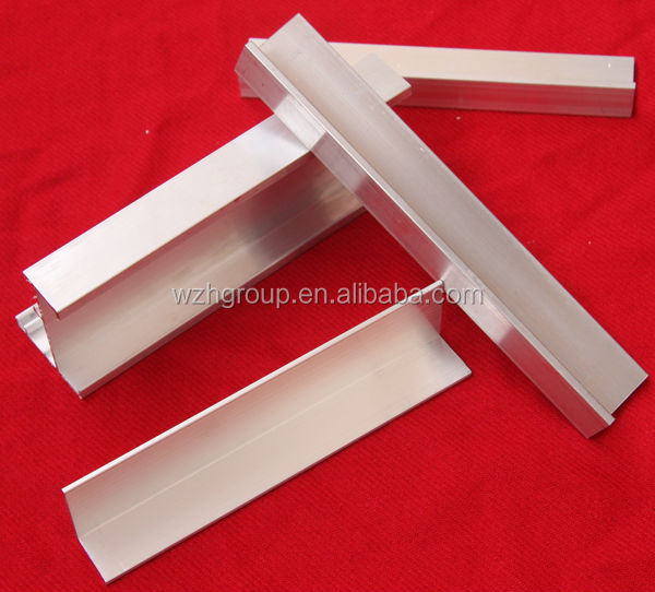 Heat insulation aluzinc color steel sheet 75mm thick sandwich panel with C channel round corner