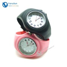 2012 new tend silicone sport watch for women