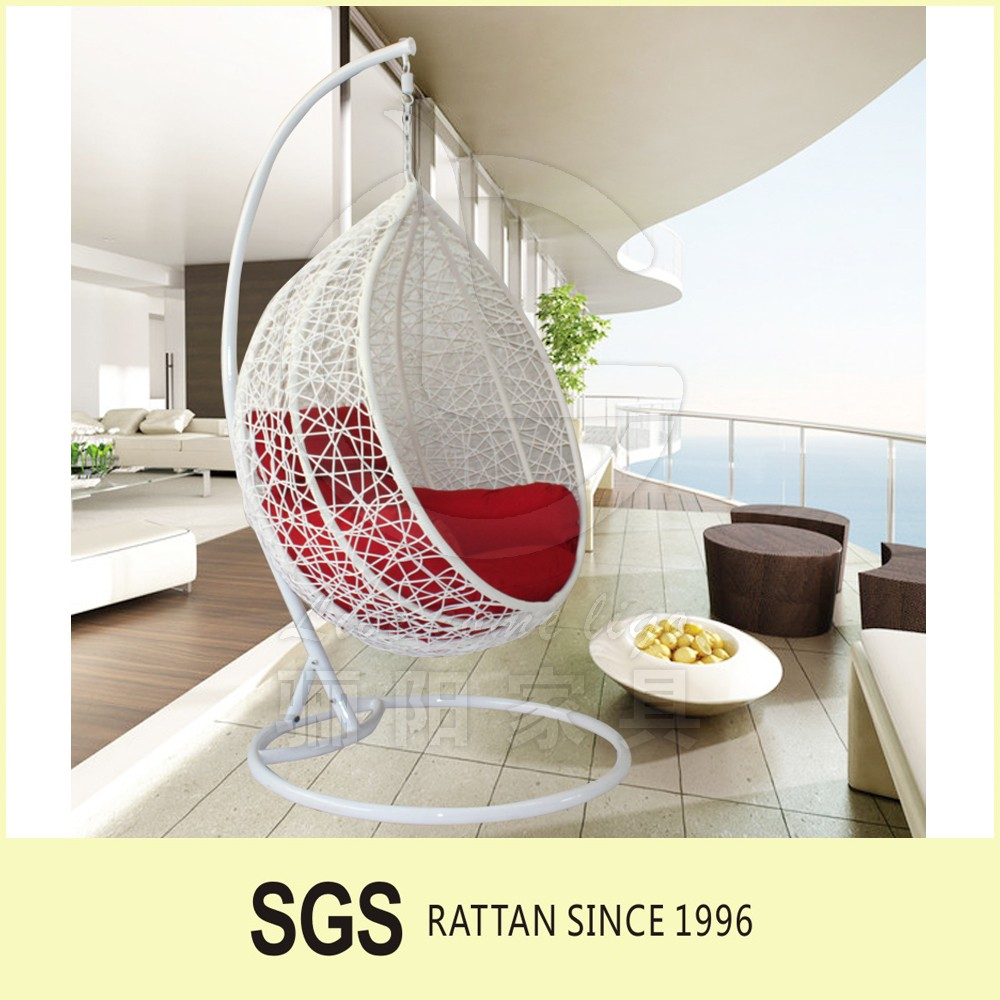 2017 Most popular Cheap price comfortable hanging hammock wicker rattan patio hanging swing chair with stand