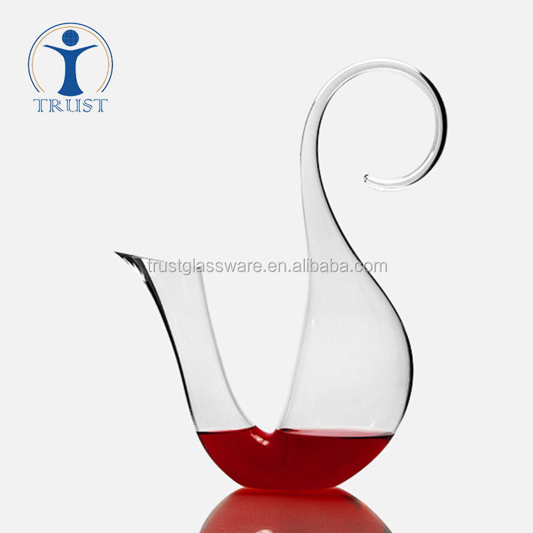 Hand Blown Lead-free Good quality Squirrel shaped Art Design Crystal Glass Wine Decanter