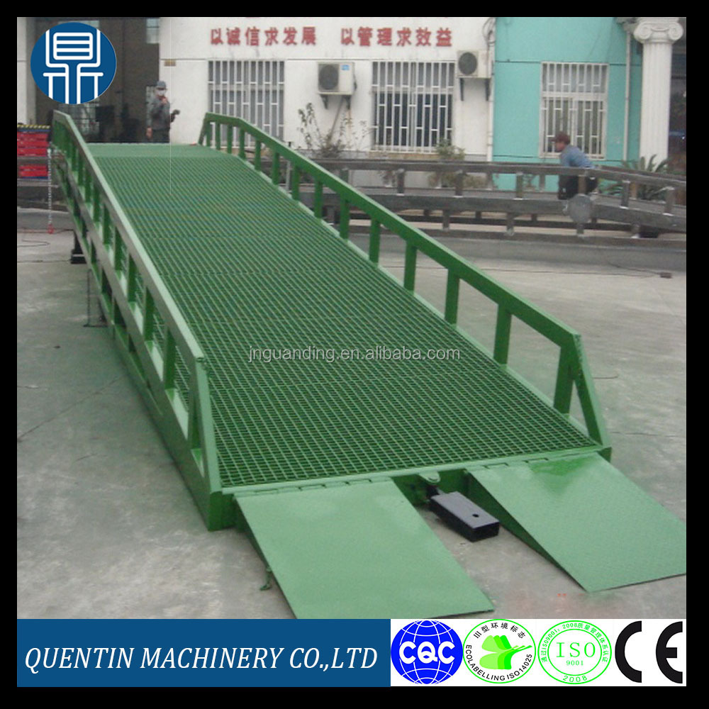 CE ISO approved portable hydraulic dock leveler / mobile truck loading ramps used in warehouse