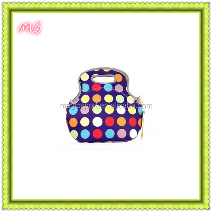 Pretty neoprene lunch bag for ladies