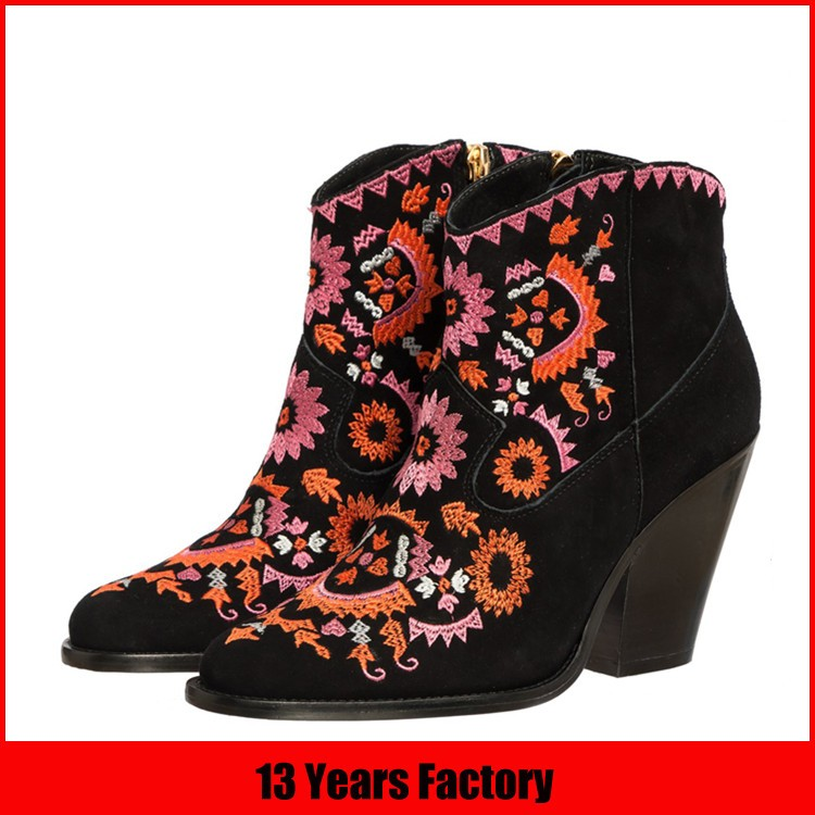 2016 latest design hot women leather boots with rivets