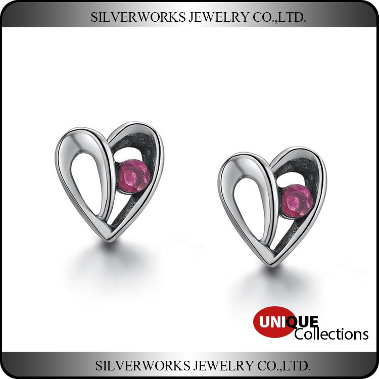 New Women Fashion 925 Sterling Silver Plated Heart Studs Earrings