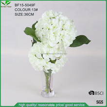 wholesale silk artificial white hydrangea flowers in glass vase for wedding decoration