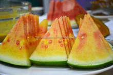 Hybrid rainbow watermelon seeds for planting gift small water melon seed