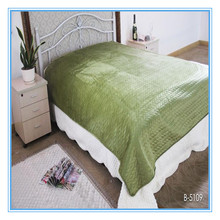 green color pinsonic bed cover short plush blanket