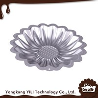 Latest design superior quality flower shape aluminum baking tray