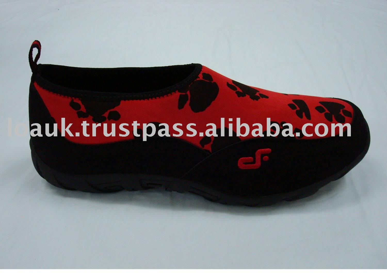 Black and red slip-on shoe dfsbr0022008